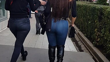 Perfect Arsch in jeans